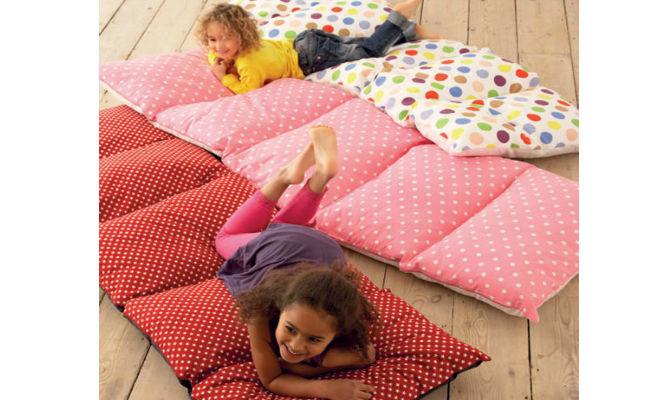 Colchoneta con almohadas me lo dijo lola - Como hacer gimnasia en casa ...