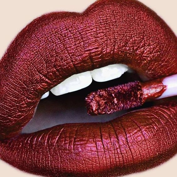 rojo valentino en maquillaje
