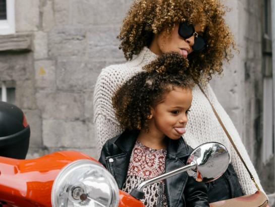 5 formas de enseñar a tus hijas a que amen su cuerpo y que sean adultas seguras