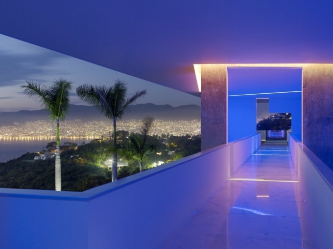 Encanto, Acapulco. ¿Quién dijo que Acapulco ya no tiene nada nuevo? Este recinto te hará sentir como si estuvieras en otro país.