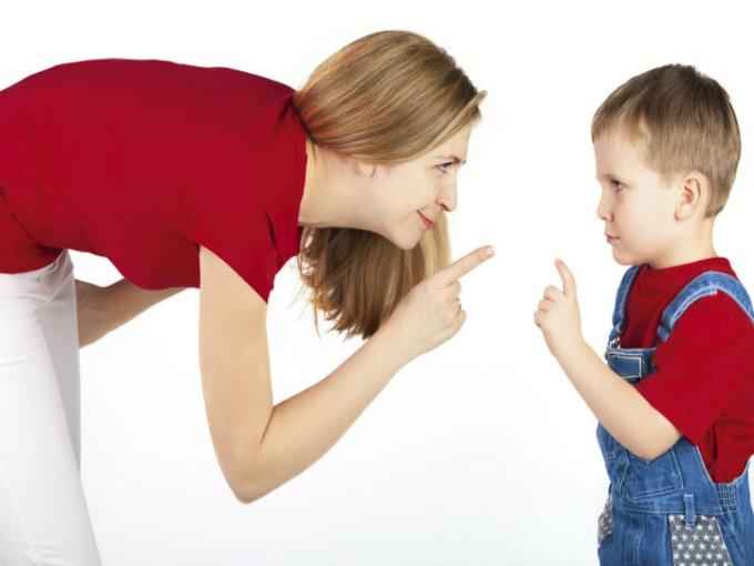 Una buena forma de evitar que tus hijos te contesten