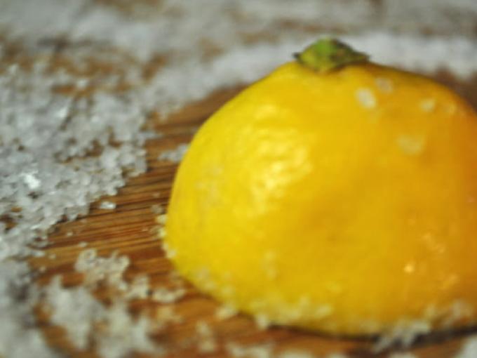 6 usos del limón para limpiar la cocina