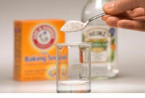 elimina las manchas de agua y jabón con esta fórmula casera | me ... - Banos De Tina Con Bicarbonato De Sodio