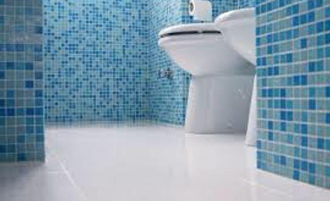 C mo limpiar los azulejos del ba o me lo dijo lola for Pisos ceramicos para banos pequenos