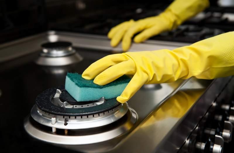 Limpiar Regadera De Baño Con Vinagre:Para limpiar el fregadero solo tienes que poner un poco de hielo y