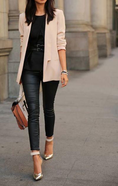 No Hay Forma De Que Te Equivoques Si Lanzas Por Un Outfit Negro Completamente Veras Sofisticada Y Muy A La Moda