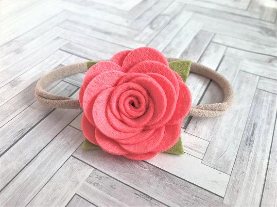 Valerina con flores