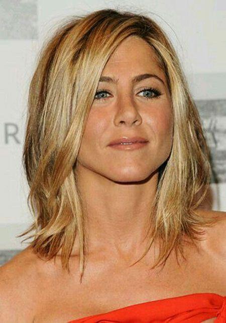Jennifer Aniston popularizó el corte en capas media con el Rachel