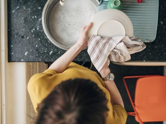 Errores que debes evitar al lavar los trastes
