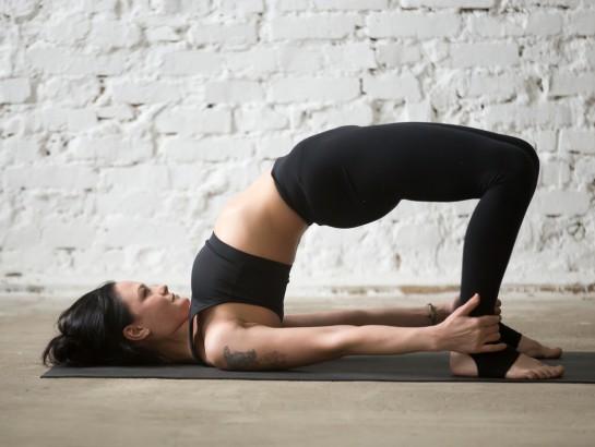 5 posiciones de yoga para tonificar tus glúteos