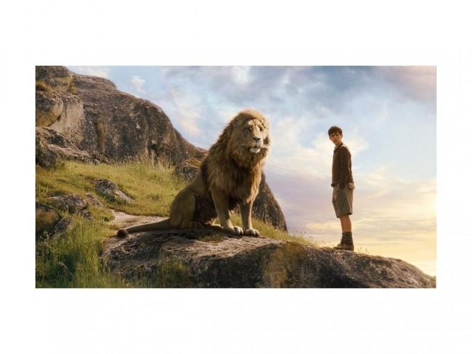 Las crónicas de Narnia: El león, la bruja y el armario. Cuatro niños de Londres son enviados al campo durante la Segunda Guerra Mundial. Ellos descubren un ropero que los lleva a la mágica Narnia. Foto: Imdb