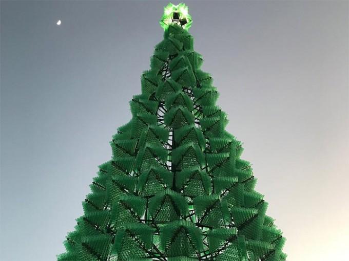 México obtiene récord Guinness al árbol navideño más alto del mundo