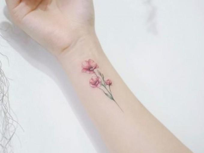 20 mini tatuajes que se ven hermosos en las muñecas