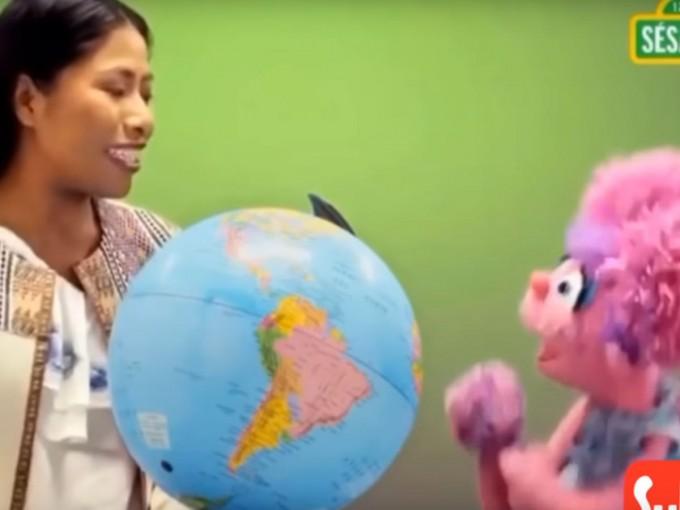 En el video aparece junto a Abby Cadabby. Foto: Captura de pantalla