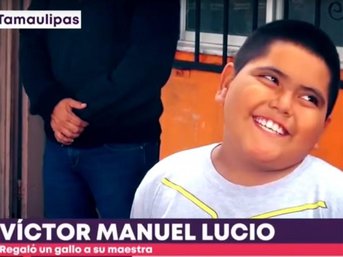 Víctor Manuel, alumno de la primaria Virginia Abigail Garza López, está agradecido con su maestra por todo lo que le ha enseñado. – Foto: Especial