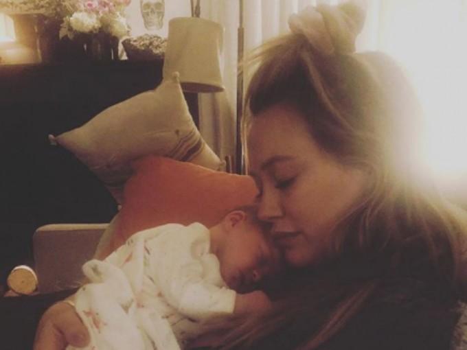 """Banks Violet Bair. Hilary Duff dio a luz a asu segundo hijo el 25 de octubre de 2018. """"No podríamos estar más agradecidos por nuestra creciente familia"""", escribió en Instagram. Foto: Instagram/hilaryduff"""