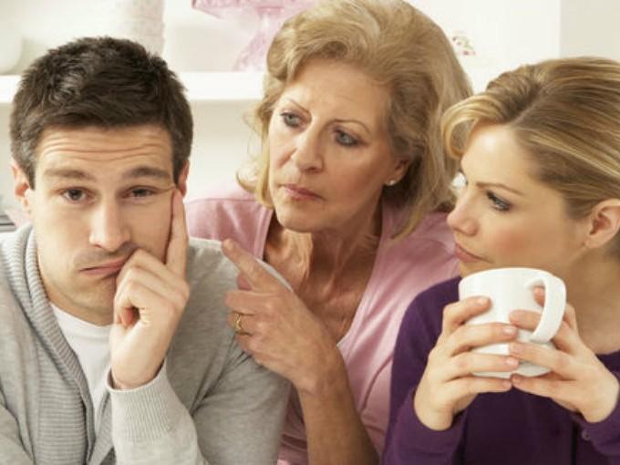 2.Preséntate con  su mamá como su nueva pareja y además ve a tomar un café con ella