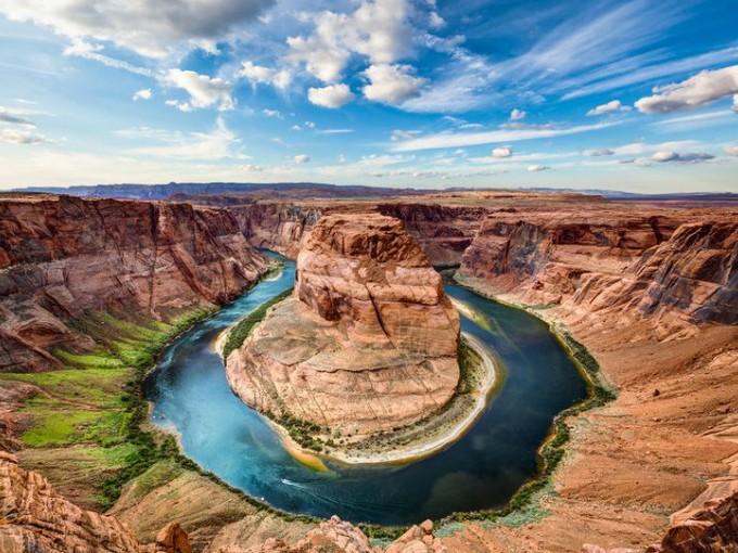 Gran Cañón, América. ¿Eres más aventurera? Entonces llegaste al destino ideal, además de lograr fotografías impactantes, puedes escalar estas formaciones rocosas.