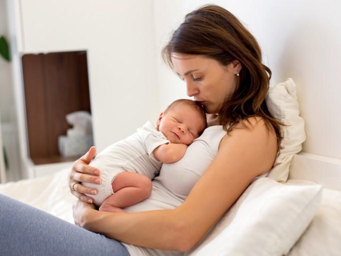 Muchas discusiones y disgustos durante el embarazo pueden provocar que el bebé tenga peso bajo.