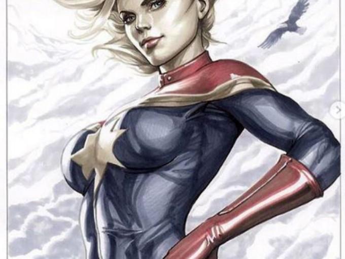 Tiene poderes similares a los de Superman. Pero su exposición al ADN Kree le hizo ganar nuevas capacidades. posee resistencia a la mayoría de las toxinas y venenos, indestructibilidad, capacidad de absorción y manipulación de energía y puede generar explosiones fotónicas.