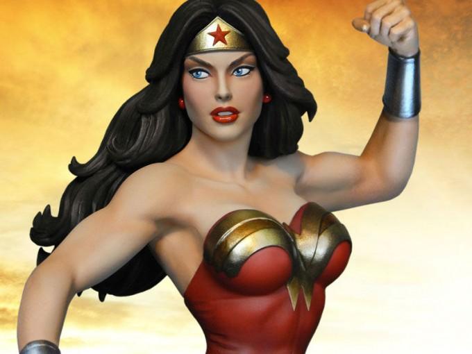 La primer de la lista es Wonder Woman, la mujer maravilla.
