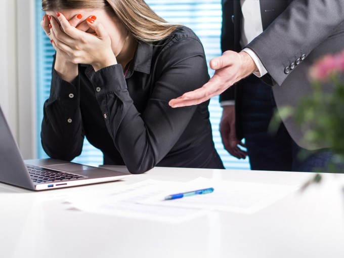 Aunque pretenden crear miedo en sus trabajadores, ellos mismos están aterrados de cometer algún error y de que pase algo que no sepan.