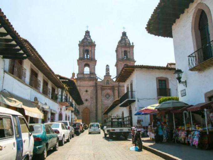 Si hay algo que adoro del México colonial son las fabulosas calles empedradas.