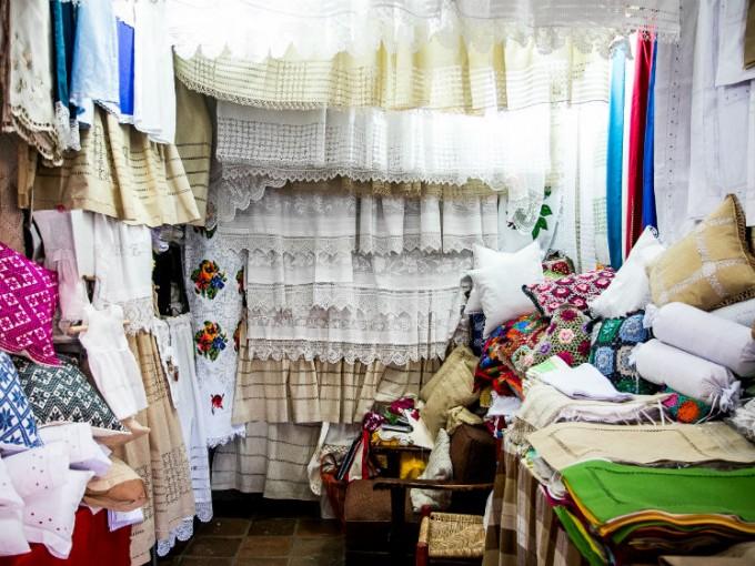 La ropa bordada
