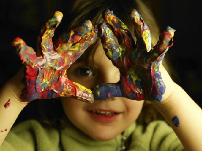 Ideas para pasar el verano en casa con los niños Foto: iStock