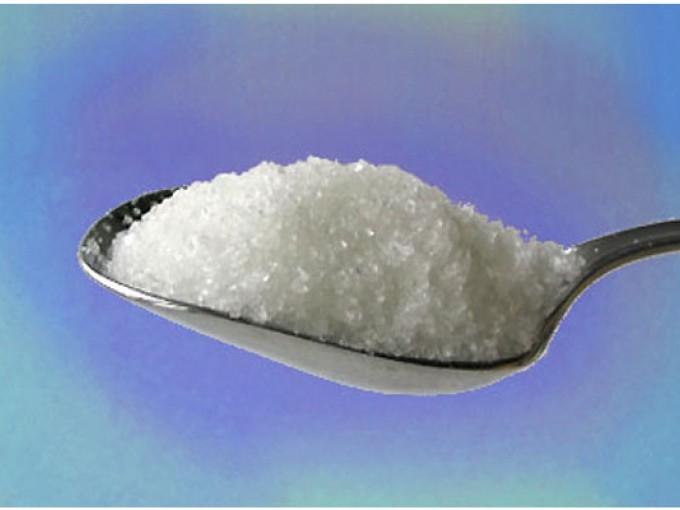 Azúcar y alcohol para hacer quitaesmalte casero