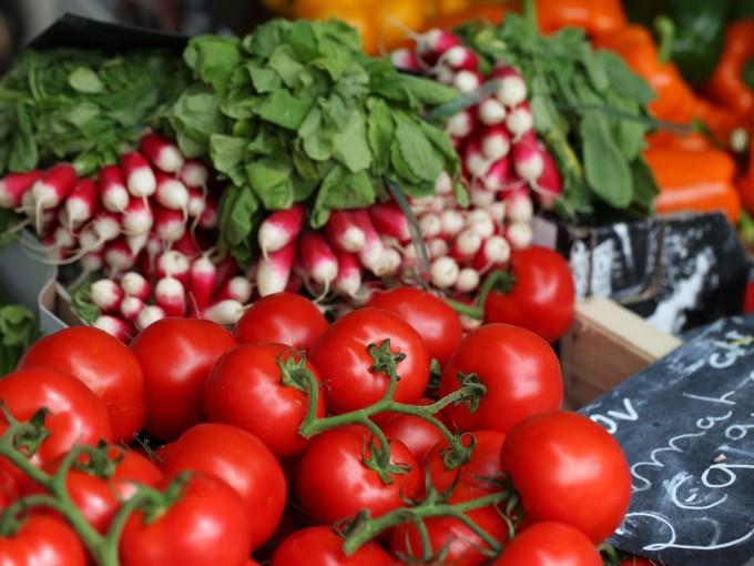 Jugo de tomate de guiso para adelgazar