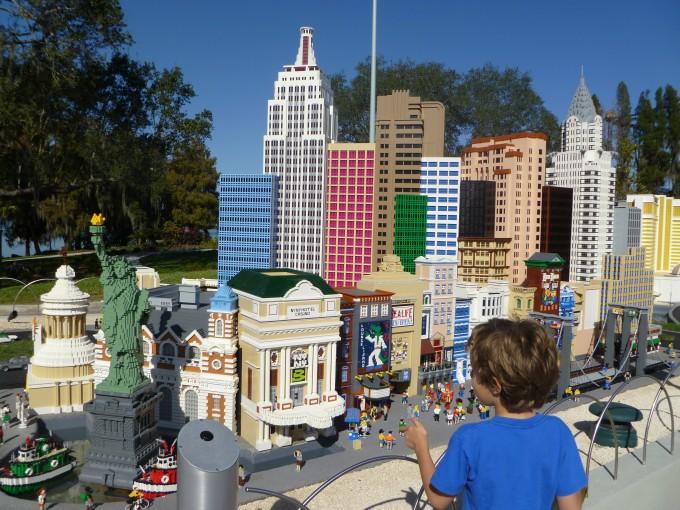 El parque temático más grande del mundo es lego