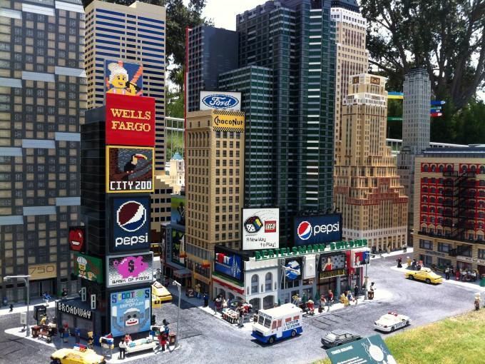 Incluirá atracciones como Miniland con réplicas lego de asombrosas ciudades
