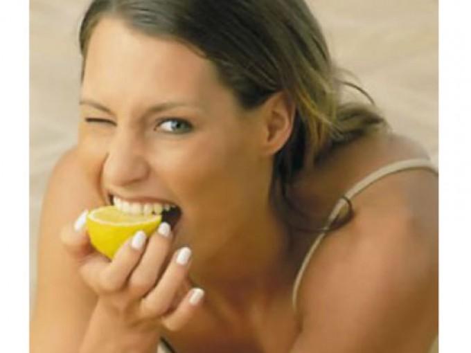 Chupar limón