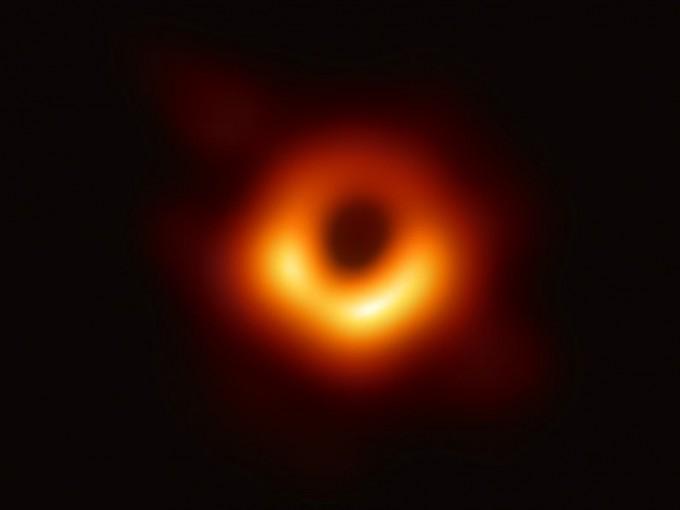 La  sorprendente primera foto real de un agujero negro  Foto: UNAM