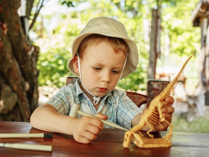 Si tienes una niña o un niño obsesionado por los dinosaurios, ¡felicidades! Es súper inteligente.