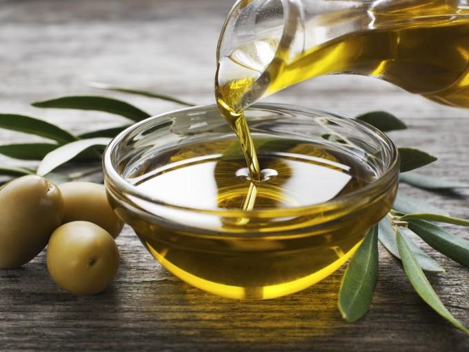 Beneficios del aceite de oliva Foto: iStock