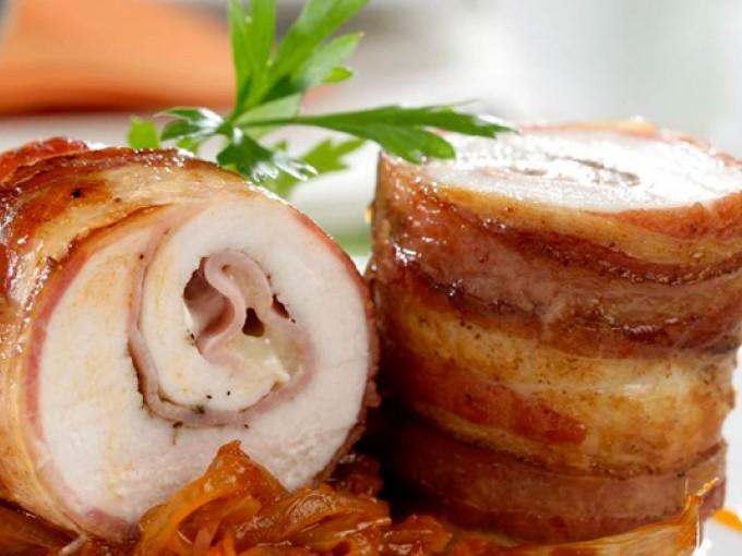 Pechugas de pollo rellenas con tocino y queso