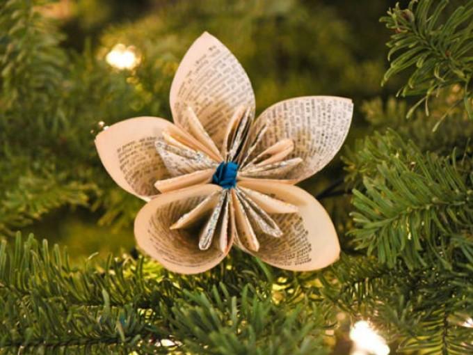 Flores de papel para el rbol de navidad me lo dijo lola for Adornos con plantas de nochebuena