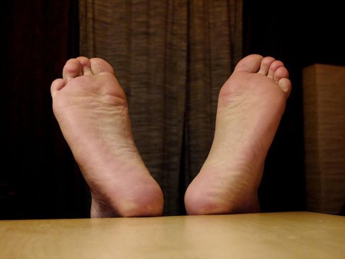 Para q te huelan los trucos pies no
