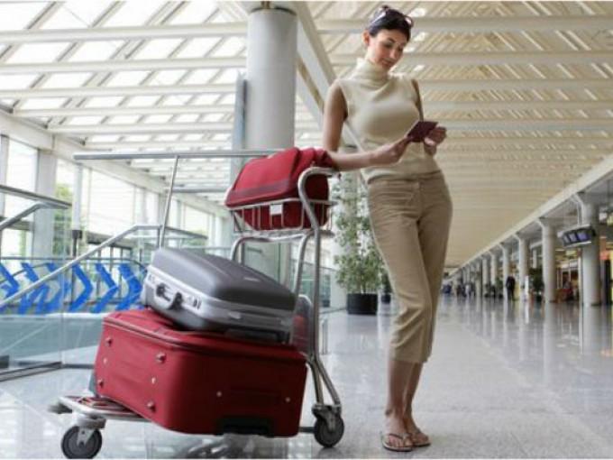 ¿Cómo vestirte para viajar en avión?