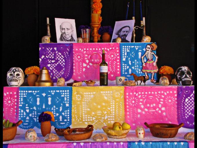 Si vas a hacer una ofrenda de Día de Muertos…éstas son las 11 cosas que no te pueden faltar