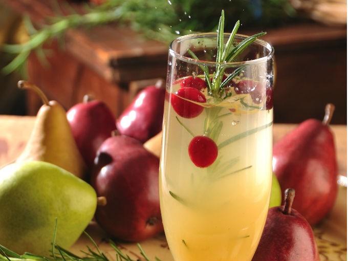 Coctel de peras con romero