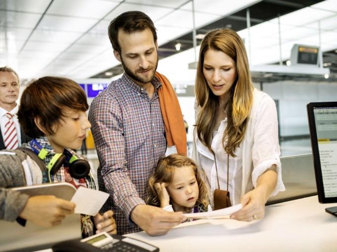 4 tips para viajar con niños en avión