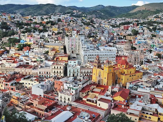 Guanajuato Centro.- Desde 2,600 pesos cuesta el vuelo en globo para disfrutar del paisaje de Guanajuato y sus riquezas tanto naturales como arquitectónicas. Foto: Archivo Cuartoscuro