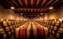 ¿Porqué se guarda el vino en barricas?